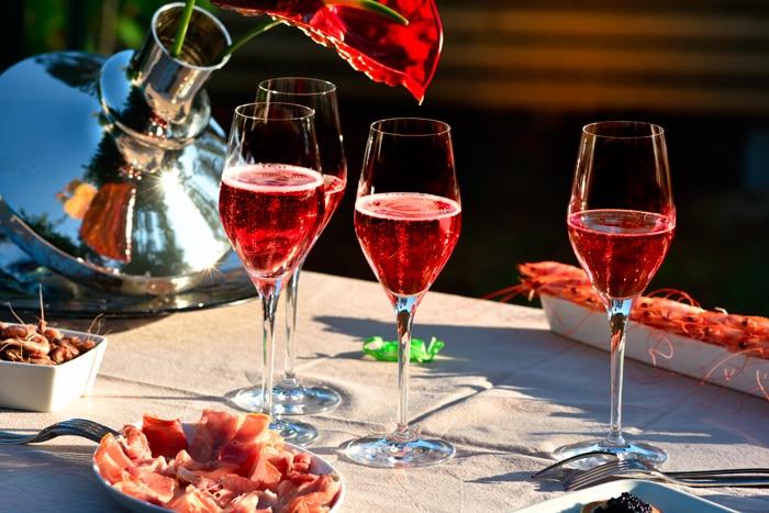 Cremant Rosé bordeaux wine